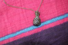 collier long bijoux effet argente ananas fantaisie