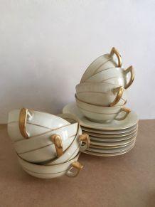8 tasses et soucoupes - Porcelaine de Limoges - Art déco