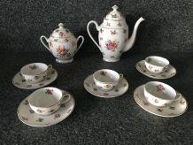 F. Quinque Limoges - Service à café -  Porcelaine, style XVIII ème