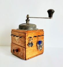 Boîte à bijoux, présentoir à bijoux - Moulin à café