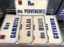 Authentiques plaques de rue