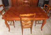TABLE EN MERISIER 2 RALLONGES STYLE LOUIS XV