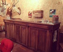 Ancien bar de brasserie, en chêne .