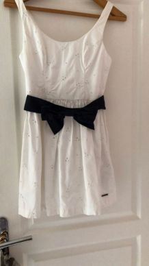 Robe blanche Abercrombie