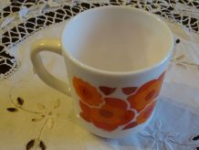 MUGS-TASSE-ARCOPAL-MOTIF-FLEUR-LOTUS ORANGE/ROUGE