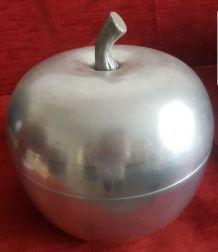 Grosse pomme a glaçon