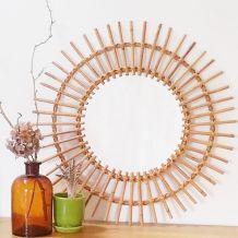 Grand miroir soleil rotin années 60