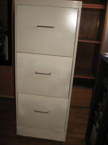 Meuble métallique à tiroirs