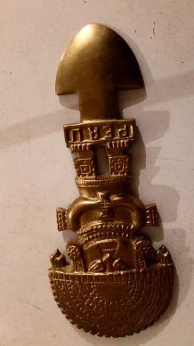 Statue maya en bronze