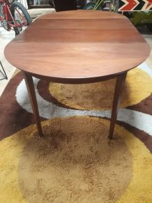 table scandinave vintage 1960