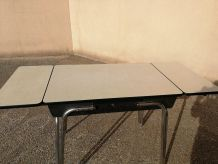Table cuisine formica