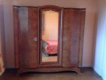 Armoire 3 portes une miroir ronce de noyer ébénisterie