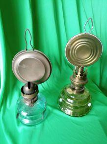 -Lampes à pétrole avec suport murale  20€ piece