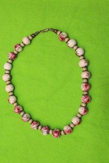 collier ras du cou effet porcelaine motif rose vintage/retro