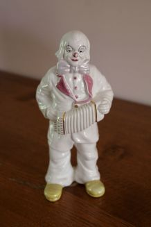 Statuette clown blanc accordéoniste en faïence