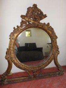 Miroir en bois doré ancien