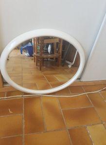 Miroir ovale plastique 1970 blanc