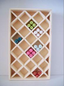Présentoir - Casiers pour pelotes miniatures- échelle 1/12e