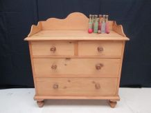 Commode victorienne en pin 1880