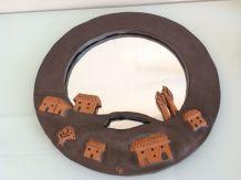 Miroir rond vintage avec cadre en céramique signée CB