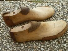paire  d'embauchoirs  bois anciens