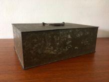 Caisse coffre ancien en métal