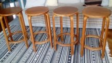 4 tabourets modèle 64 par Alvar Aalto
