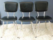 Lot de trois chaises en skaï