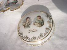 Bonbonnière Napoléon et Joséphine à motifs dorés