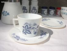 Tasse et coupelle Vintage ARCOPAL FRANCE