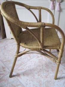 lot 2 chaises rotin (identiques)