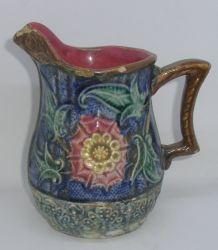 Cruche en barbotine de 1890