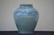 Vase boule en porcelaine Jaune de chrome modèle Nymphéa