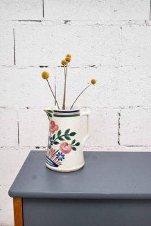 Carafe vintage à fleurs