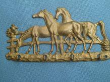 Accroche clées motif chevaux en laiton, vintage