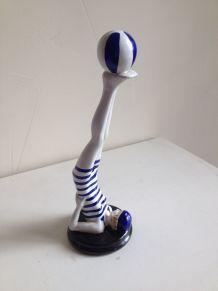 Figurine Baigneuse au ballon