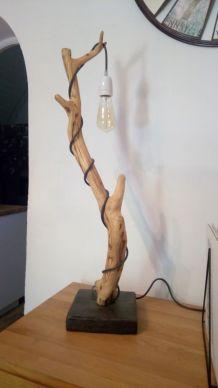 Lampe en bois d'Olivier