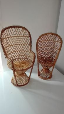 Les 2 petites fauteuils en osier