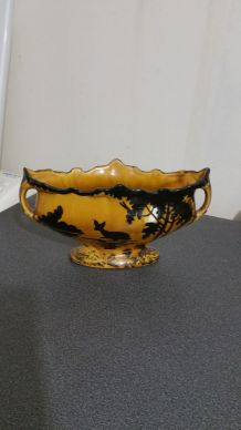 vase tres ancien