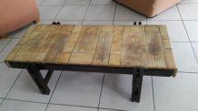 Table basse signée de CAPRON