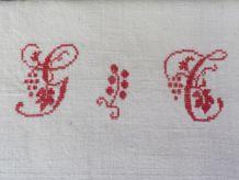 Torchon ancien monogrammes brodés