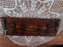 portes-clés, en bois