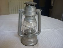 Lanterne,lampe tempete Meva en fer blanc