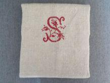 Torchon ancien monogramme brodé S