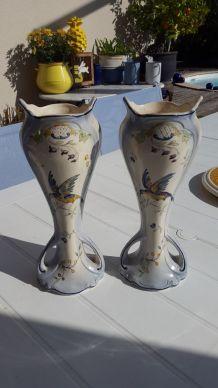 Paires de vases faïence LONGCHAMP Cléry motif à l oiseau
