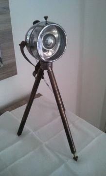 lampe trépied industrielle vintage