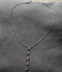 Collier avec zirconiums