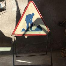 Panneau de signalisation travaux ancien