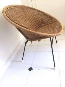 Rare fauteuil corbeille vintage en rotin