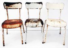 Lot de trois chaises en fer